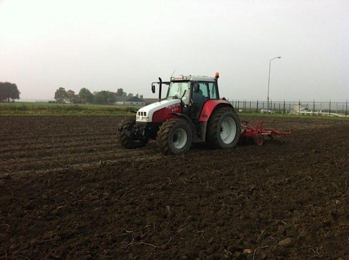 23 oktober 2012: tarwe gezaaid in aardappelland