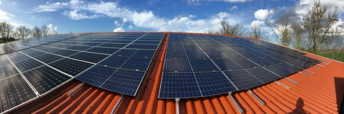 Zonnepanelen op Harry's Farm