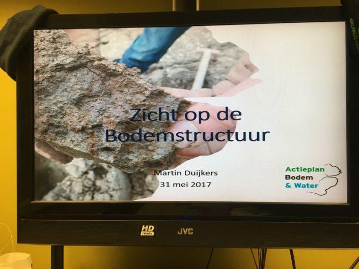 Zicht op de bodemstructuur